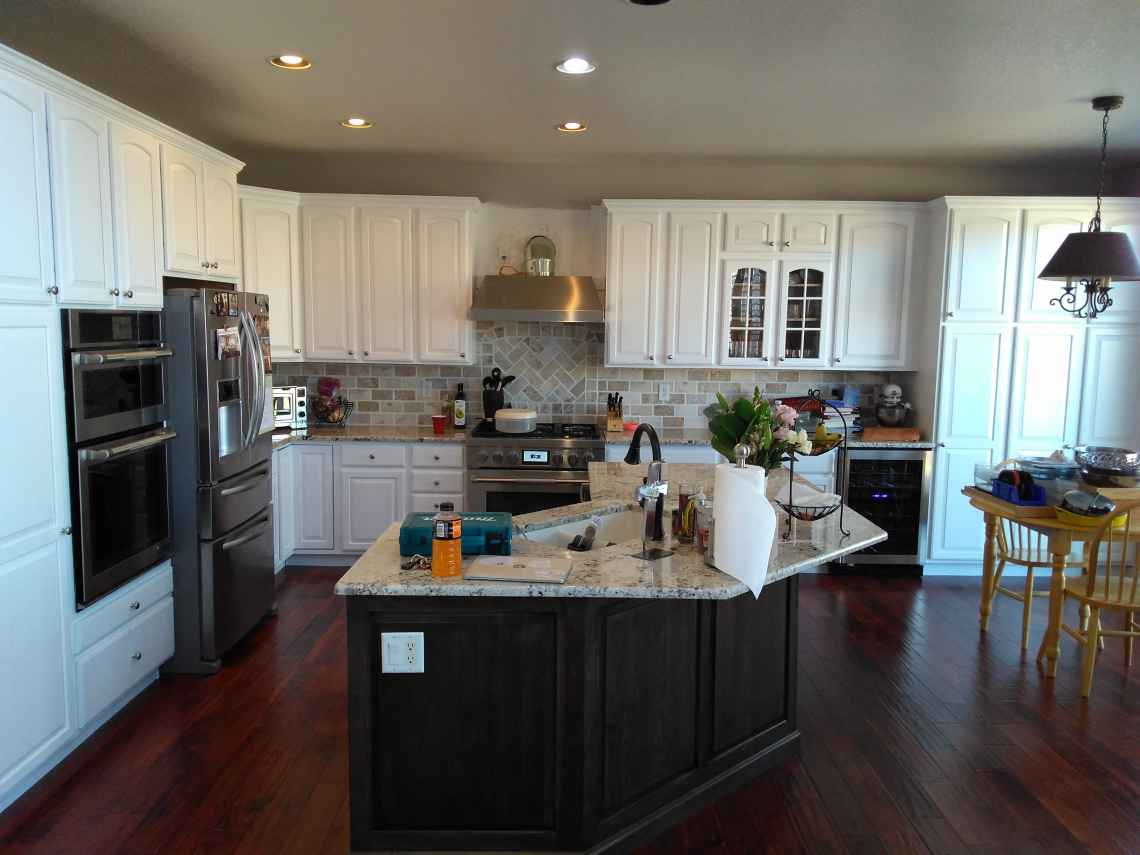 Crown 1 Completes Kitchen Cabinet Refinishing Highlands Ranch, Colorado
